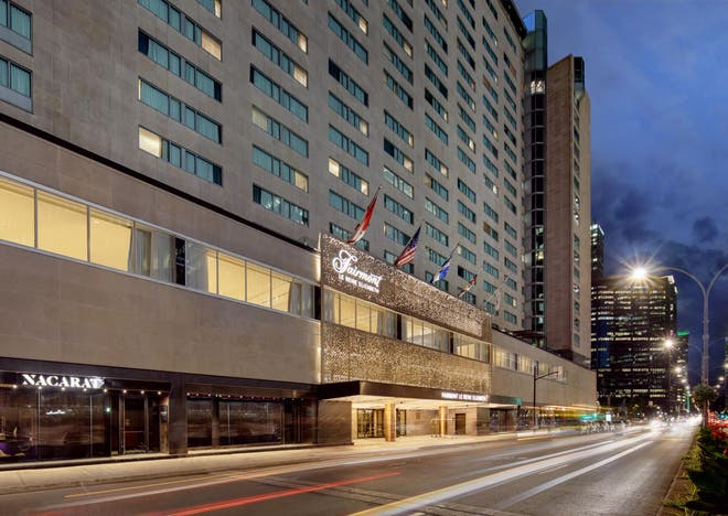 exterior view of -the-fairmont-queen-elizabeth-hotel-montreal-canada-luxury-hotel-review