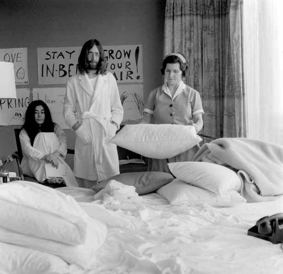john_lennon_and_yoko_ono John Lennon & Yoko Ono at The Fairmont Queen Elizabeth Hotel Montreal, Canada