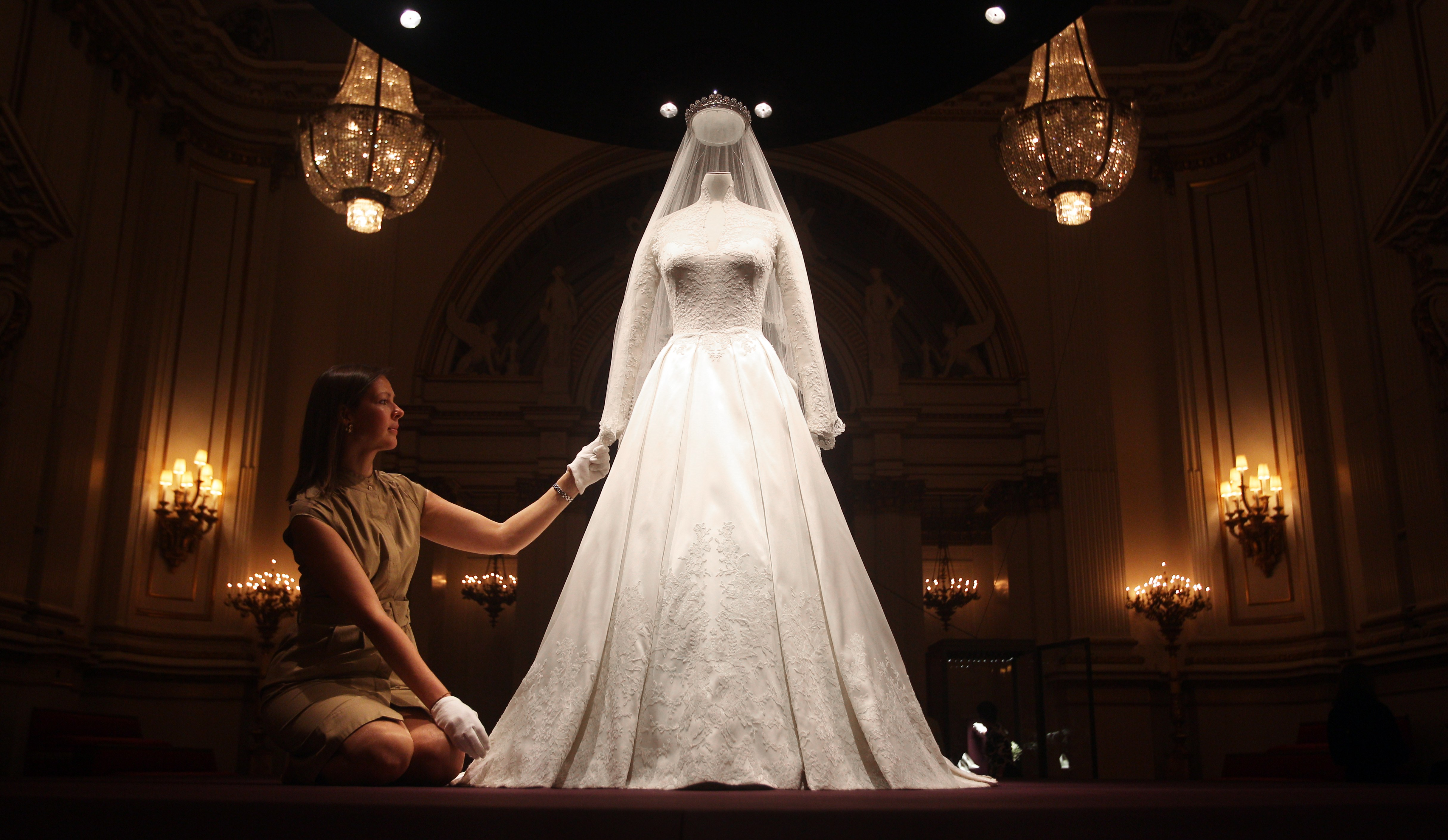 The Royal Wedding Dress A Story Of Great British Design