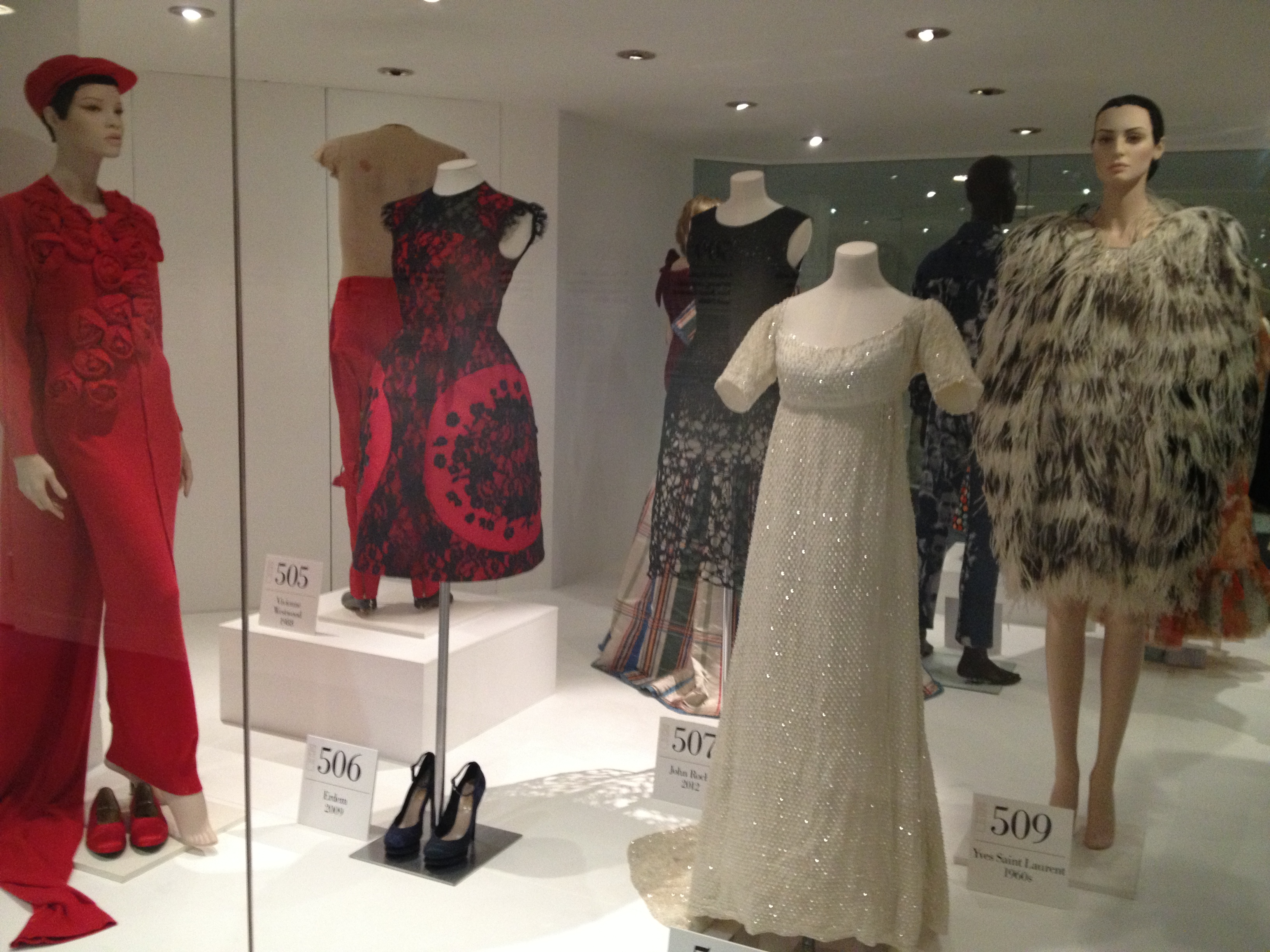 Fifty fabulous frocks the fashion museum bath for Museum of fashion nyc