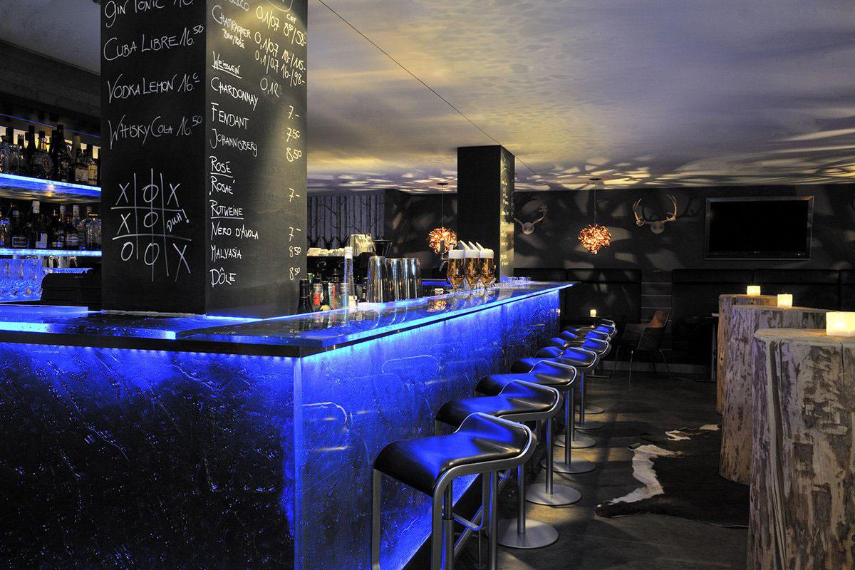 Adelboden Lenk The-Cambrian-Hotel-Switzerland www.cellophaneland.com Bar