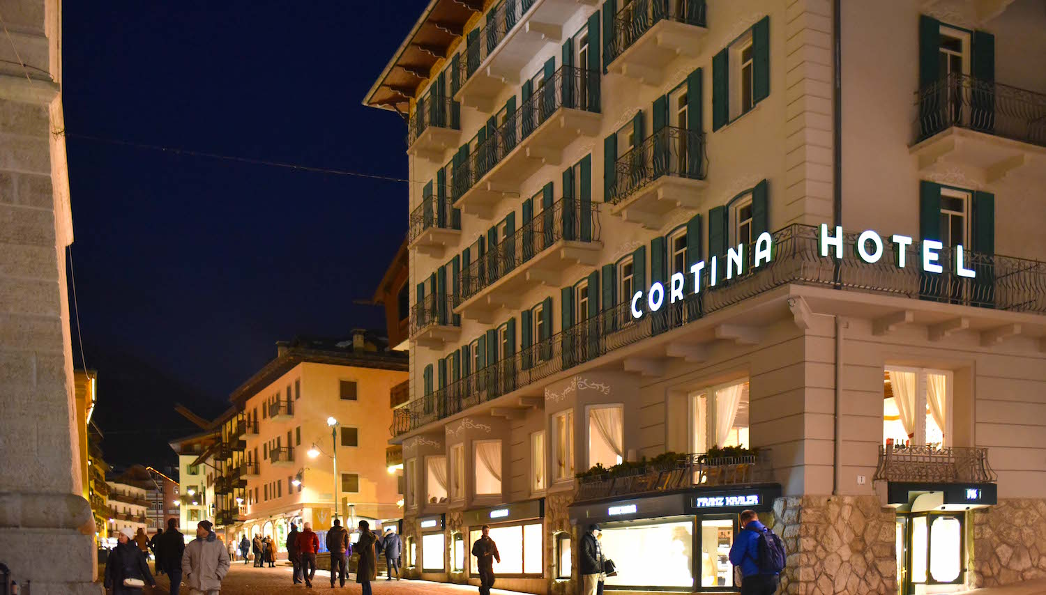 Cortina d'Ampezzo Hotel Cortina Dolomite Mountains