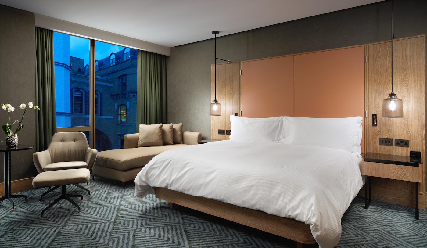 Hilton London Bankside Hotel Guestroom