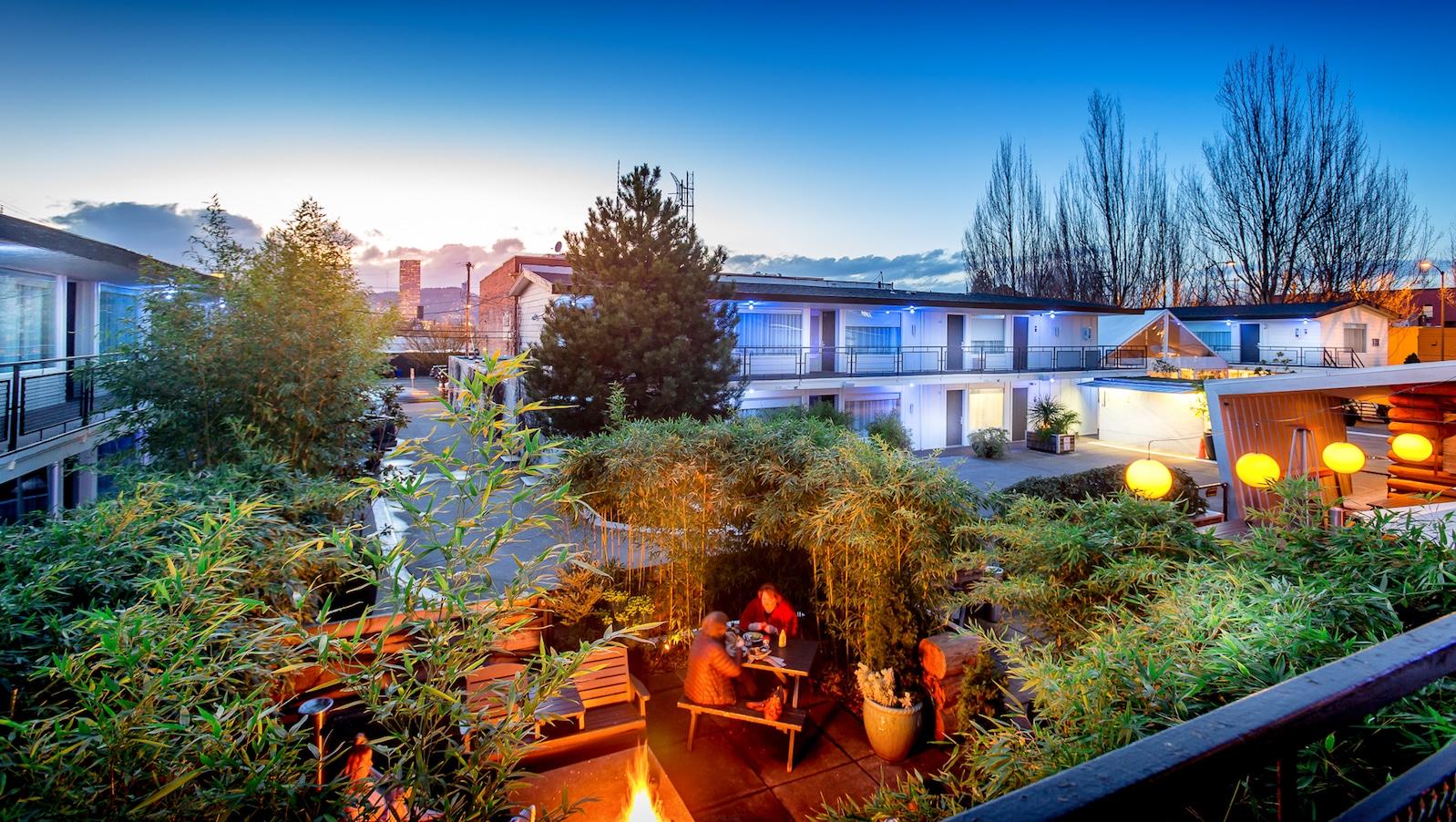 The Jupiter Hotel Doug Fir Patio & Lounge Portland