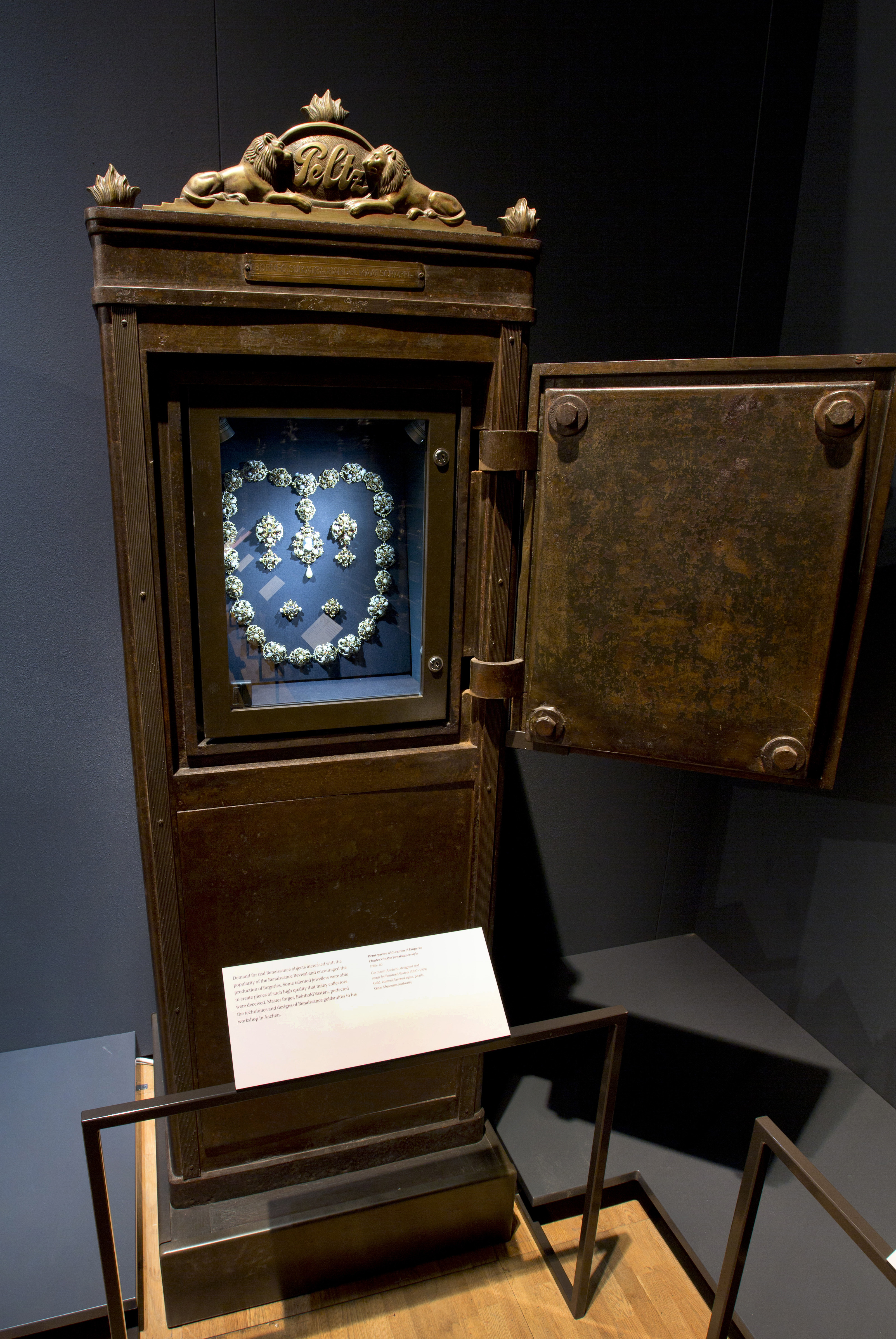 Installation image of 'Pearls' © Victoria and Albert Museum