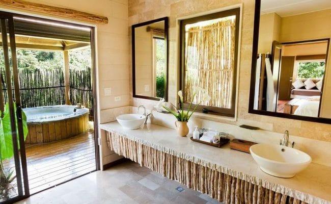 El Silencio Lodge &bathroom