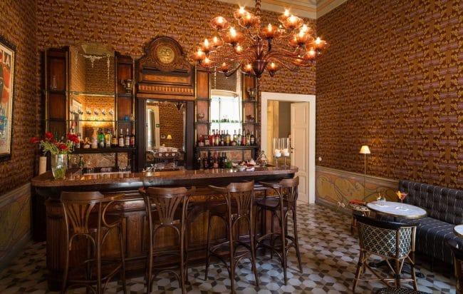 Family-Bar-Palazzo-Margherita-Bernalda-Italy-coppola-resorts