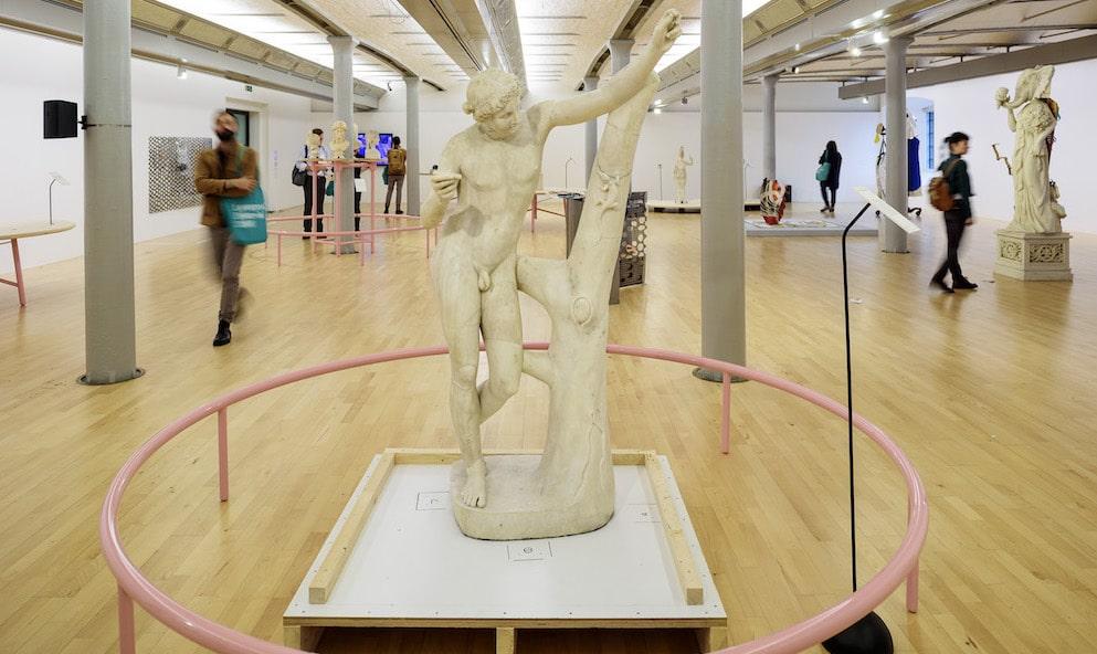 Statue-of-Apollo-Saurokton-Tate-Liverpool-Liverpool Biennial 2016