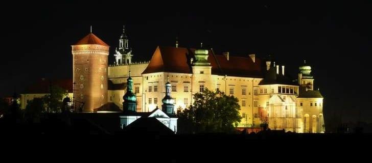 Wawel-Castle-at-night-Krakow