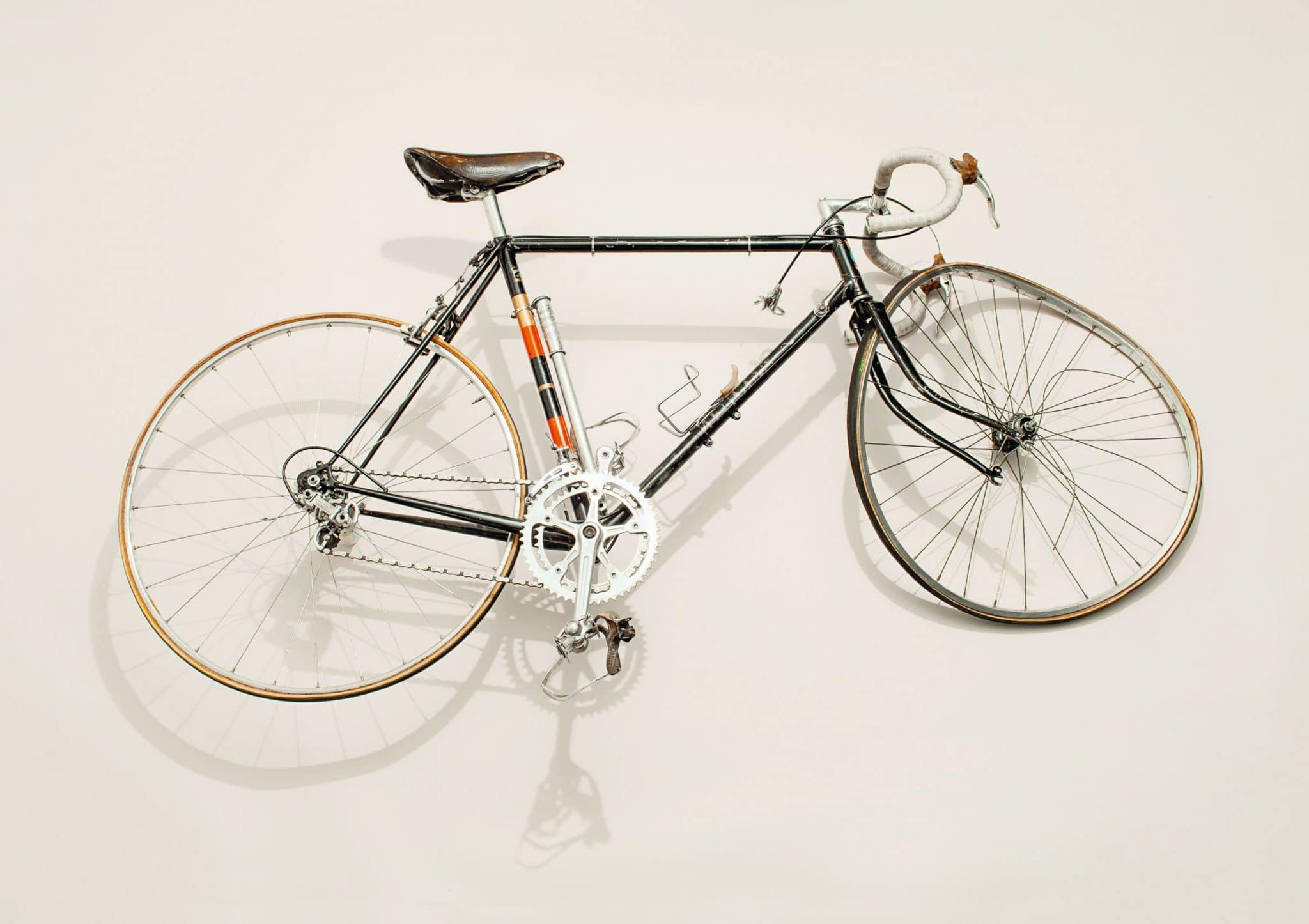 Paul Smith Phaidon crashed bike